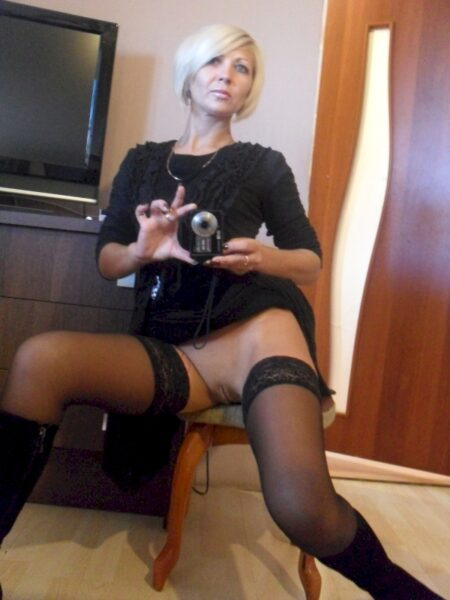Femme mature dominatrice pour coquin soumis